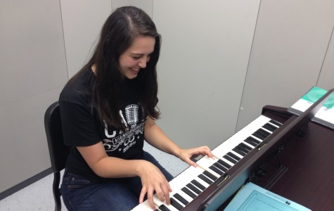 Vandegrift senior releases song on iTunes