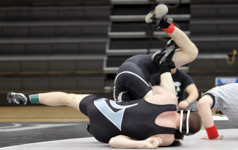 Viper Wrestling Boasts Large Numbers, Prepares For District Meet