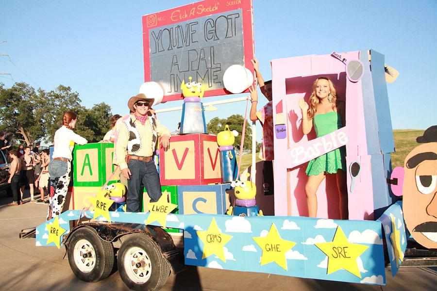 Homecoming Float Success – Vandegrift Voice