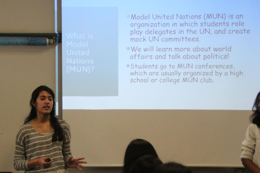 Presidetn Riya Saxena presenting the Model UN club