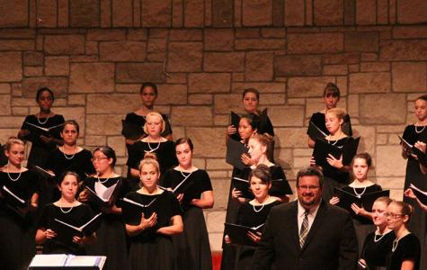 Choir performs at fall concert