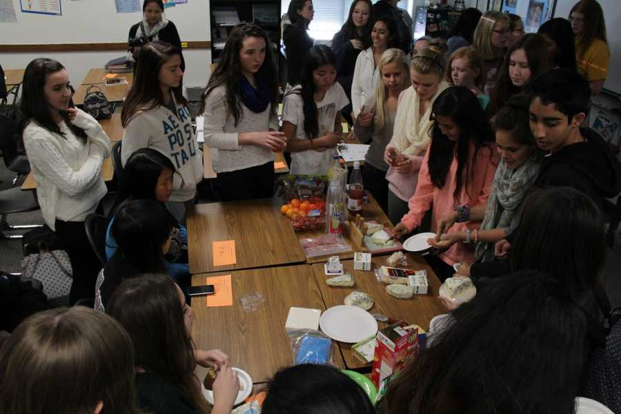 French Club holds Cheese Tasting