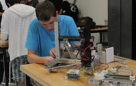 Robotics heads to Regional Championships