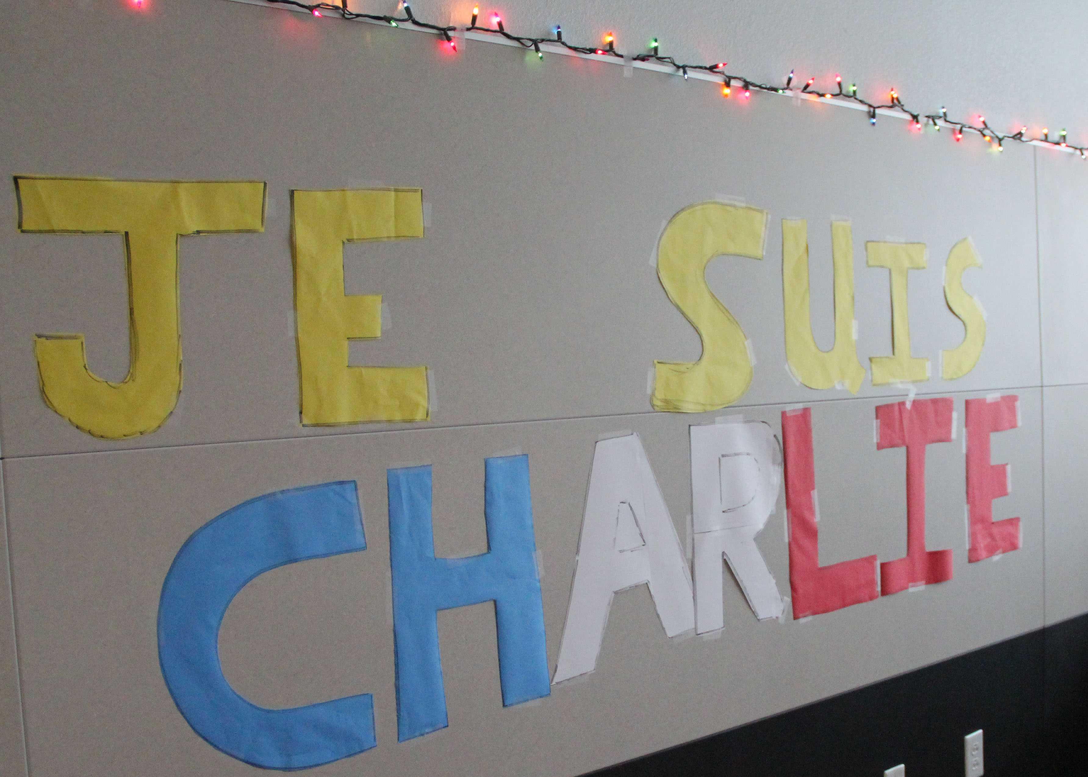 Decorations honoring the terrorist victims in Paris