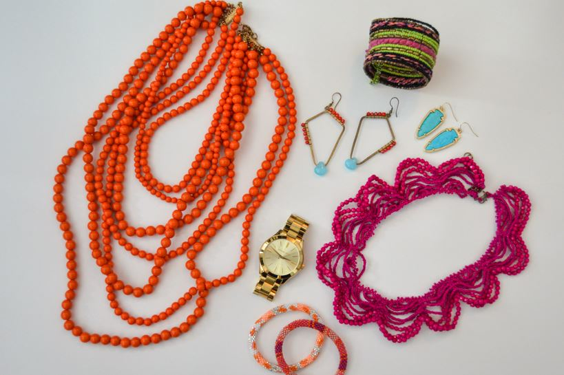 In your senior pictures you want to wear more thought-out outfits than you would typically go for. A big statement necklace or a pretty stacking of dainty necklaces are a great way to add an extra bit of detail to your looks. Colorful bracelets and chunky watches also have the same effect.