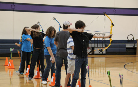 Vandegrift joins in its first archery tournament
