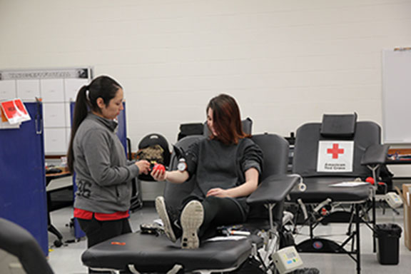 Red Cross Club hosts blood drive