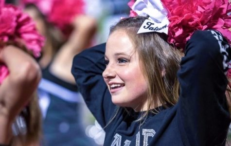 Senior cheerleaders advance to college squads