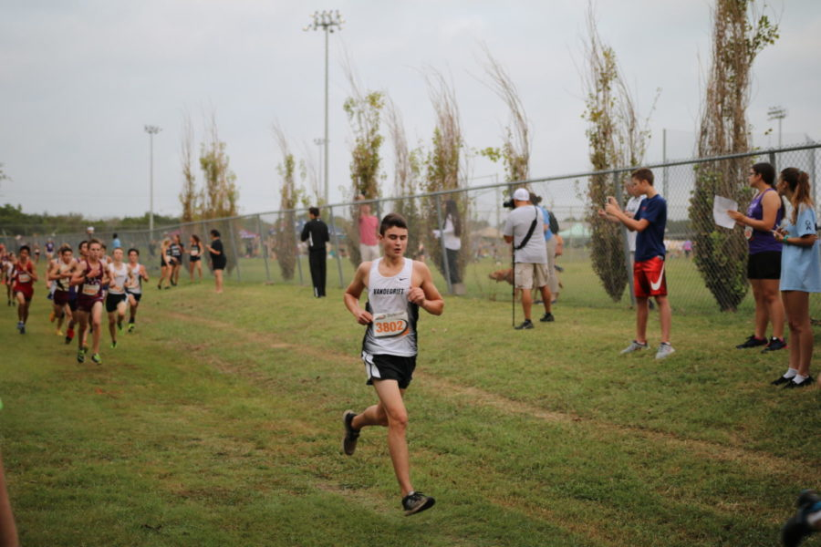 Varsity cross country seals spot at regionals