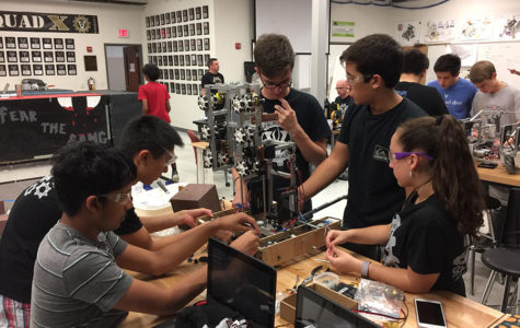 Robotics teams advance to super regionals