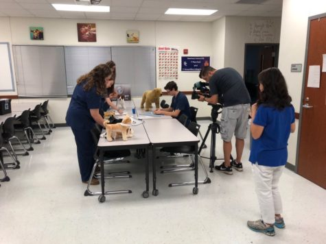 Art students participate in sculpture contest