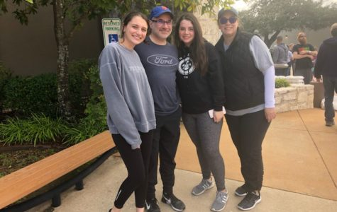 Pomerantz family volunteers at Operation Turkey for tenth year in a row