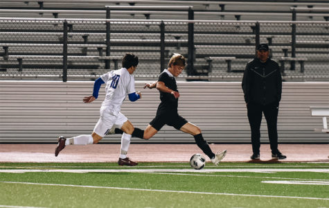 Sophomore Sammy Sutorus takes the ball in stride.