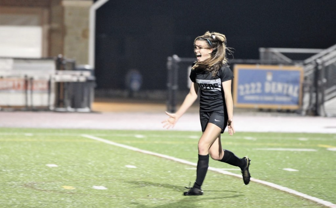 Hailey Hoffmann scores a goal.