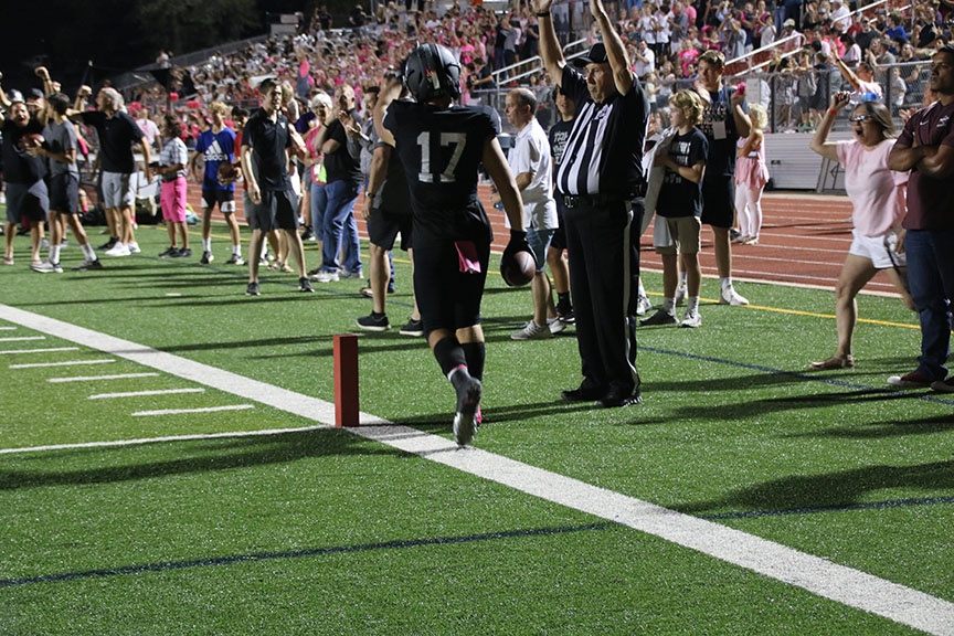 After making the touchdown that put the Vipers back on top during the third quarter, Beau Dawson celebrated.