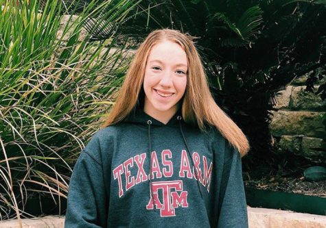 Olympic Trials hopeful, junior Shannon Bagnal announces her Texas A&M commitment to her friends.