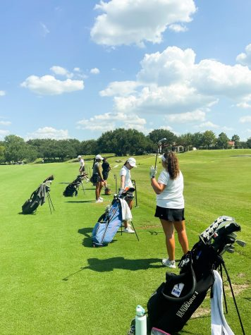 Girls golf team practices in August at University of Texas. Photo credit: Chaemin Kim